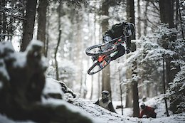 Vinny T, Nico Vink & Makken Give Old Man Winter What For - Video