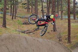 Trail Bike Hero Dirt Shredding - Video