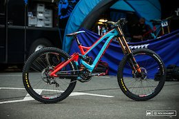 Bike Check: Laurie Greendland's Mondraker Summum at the iXS European DH Cup