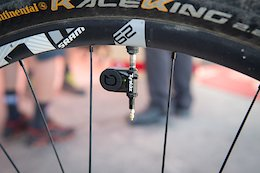 Quarq's TyreWiz Lets You Check Your Tire Pressure With Your Phone - Sea Otter 2018