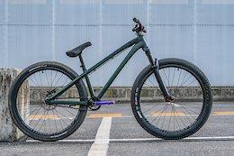 Bike Check: Dawid Godziek's Dartmoor 26Player - Rocket Air 2018
