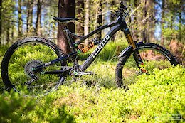 Bike Check: Dan Hole's Factory Tuned Hope HB160 - Steel City DH 2018