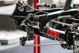 Video: Does Your Suspension Really Work Better Without a Chain?
