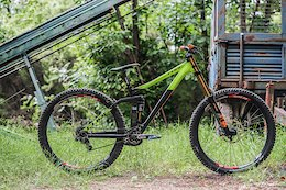 "Review: Cube's 29"" Downhill Bike - the Two15 SL"