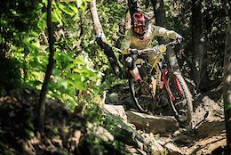 Video: From The Factory To The Podium - Commencal's Meta AM 29
