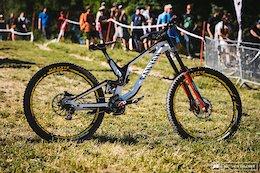 Troy Brosnan's Winning Downhill Bike Check - Crankworx Les Gets 2018