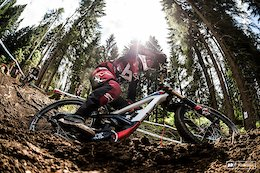 Aaron Gwin Injured During Practice - Val di Sole DH World Cup 2018