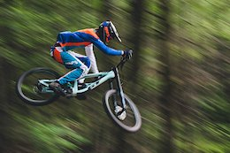Video: DH Shredding & Slopestyle Tricks on this Mega Run at Highland Bike Park