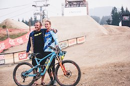 Video: The Team Behind Martin Maes' EWS Win in Whistler