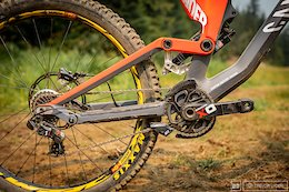 Round Up: 22 DH World Cup Racers' Suspension Setups