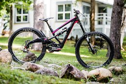 Bike Check: Tracey Hannah's Polygon XquareOne DH