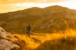 Video: Former World Cup Racer Still Has Extraordinary Adventures on Two Wheels