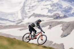 Video: Riding in the Horn's Shadow - Chasing Trail Ep. 24