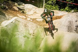 Video: Aggressive DH Riding in Bromont, Quebec