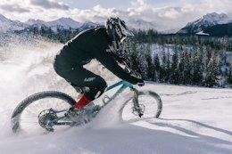 Video: Winter Shredding in Fresh Powder