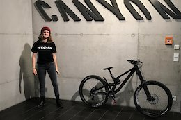 Women's Junior DH Runner Up Anna Newkirk Joins SRAM Young Guns