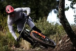 Video: Raw Trail Bike Thrashing With Hugo Frixtalon