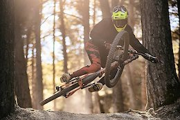 Commencal / 100% Adds Hugo Frixtalon & Antoine Rogge