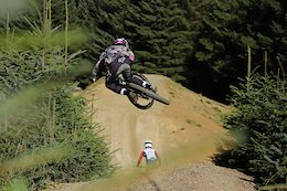 Video: Kaos Seagrave & Laurie Greenland Shred Bike Park Wales
