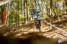 Video: The Struggles of a Downhill Racer From A Flat Country