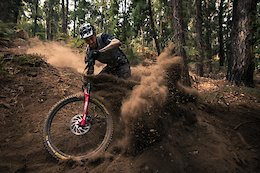 Video: Sam Hill Gives Kilian Bron a Taste of Aussie Dust