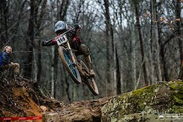 Christopher Grice Joins Loic Bruni & Finn Iles on Specialized Gravity