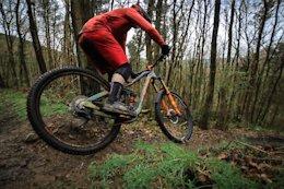Video: Railing Muddy Turns in the UK