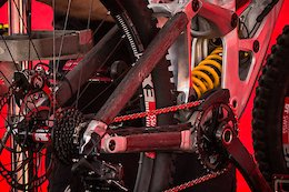 Spotted: Prototype 'Project Black' 27.5/29 Specialized DH Bike - Crankworx Rotorua 2019