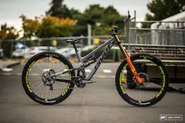 Bike Check: Bernard Kerr's Pivot Phoenix 29 Carbon - Crankworx Rotorua 2019