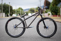 Bike Check: 2 Pumptrack Machines from Evil & Pivot - Crankworx Rotorua 2019