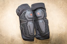 Review: Dainese's Updated Enduro Knee Guards - Second Time's the Charm