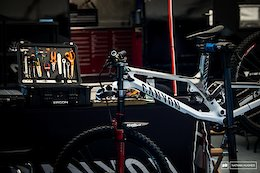 Pinkbike Poll: What Are Your Favorite & Most Hated Workshop Tasks?