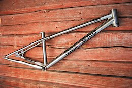 Pässilä Bicycles Releases a Fully Customizable Titanium Dirt Jump and Slopestyle Frameset