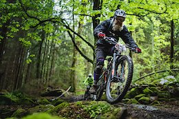Video: Blind Enduro Racing at its Best