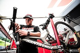 Suspension Setup Tips From 6 World Cup Technicians - Leogang DH World Cup 2019