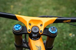 Syncros Update Their Range of Integrated Carbon Bar & Stems