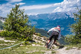 Video: Mid Pack Action from Les Orres, France in 'EWS or Bust'