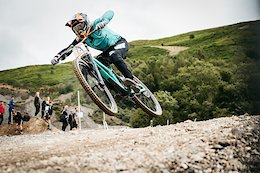 Video: Propain Factory Racing Taste Gold at the UK National Champs