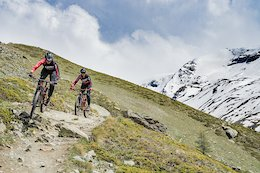 Video: The Gehrig Twins & Maxime Chapuis Search for a Home Advantage at the New EWS Venue in Zermatt