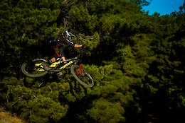 Video: Flying Down Rocky Trails in Canberra, Australia with Jackson Frew