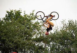 Video & Event Report: Round 4 of Dirt Wars - Radical Bike Park