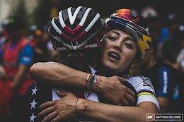 Kate Courtney hugs Lea Davison after a hard race.