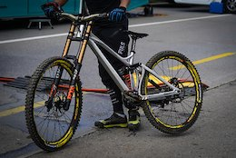 Spotted: New Mondraker DH Bike