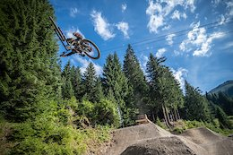 Video: Vinny T Shreds Châtel Bike Park