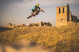 Video: Exploring Ancient Ruins & Breathtaking Natural Landscapes in Soria, Spain with David Cachon