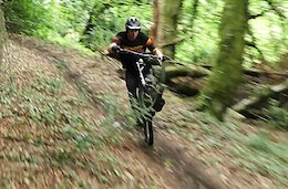 Video: Nikki Whiles Shreds Secret Trails in South Wales