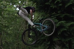 Video: Fluid Dirt Jump Flows with Joe Aldridge