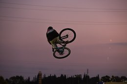 Video: Day & Night Sessions at La Poma Bike Park