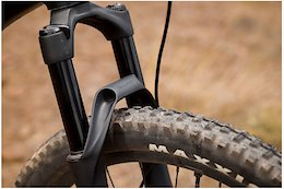 First Look: Giant Manufactures Its Own Range of Suspension Forks