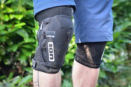 Review: Ion K-Traze Amp Zip Knee Pads